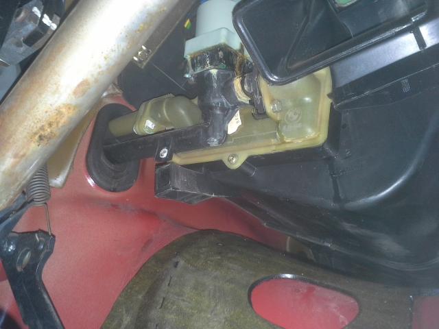 Fußboden Im Auto Nass ~ Teppich management fußraum nass kühlwasser wärmetauscher